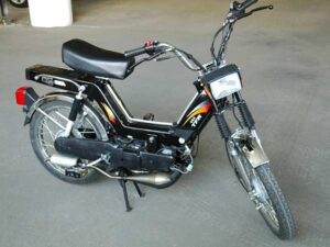 Kinetic Luna Bike Price in India, Specs, Mileage, Images