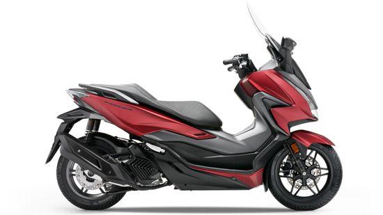 Honda Forza 125 Red